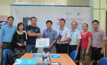 Công ty KMS Technology trao tặng máy đọc sách cho sinh viên