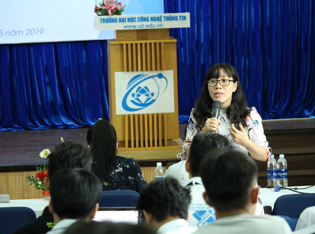 MSc. Le Ngo Thuc Vi answered questions about security of the students' personal data